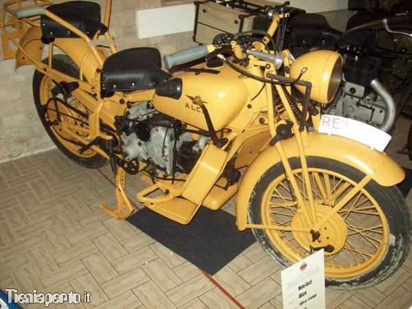 Moto Guzzi Alce